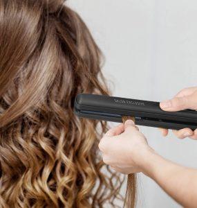 Le fer à lisser : le nec plus ultra en matière de coiffage ! principale